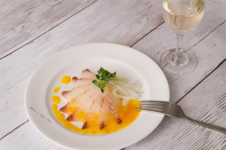 白身魚と新玉ねぎのカルパッチョ